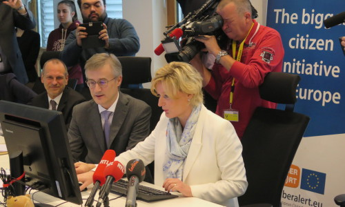 Luxembourgish Minister And Secretary Of State Sign Up For AMBER Alert Luxembourg – Join Now!